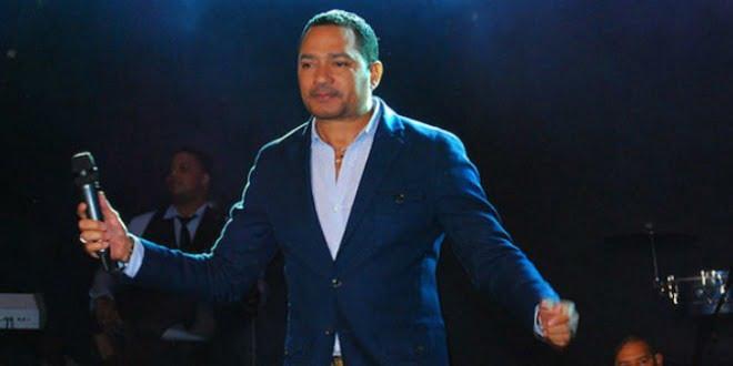 Frank Reyes se reinventa y estrena tres merengues